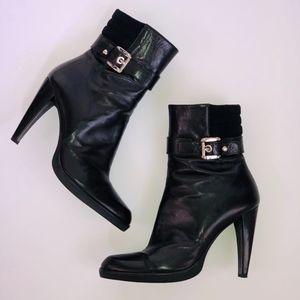 ✨HP✨Stuart Weitzman BUCKEROO Leather Bootie 8.5M